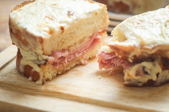 Croque-Monsieur (Toasted Ham & Cheese Sandwich) - The Wanderlust ...