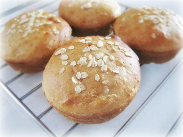 Honey Wheat Sandwich Buns | Sandwich & Burger Buns | Pinterest