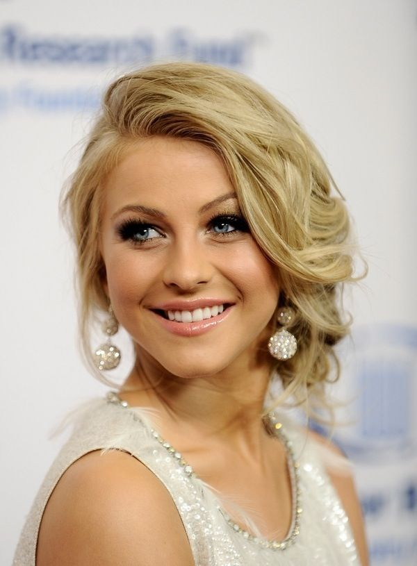Julianne Hough's hairstyle.