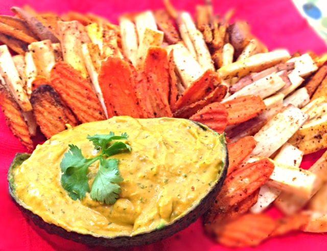 avocado dip made with sriracha sauce | Yummies... | Pinterest