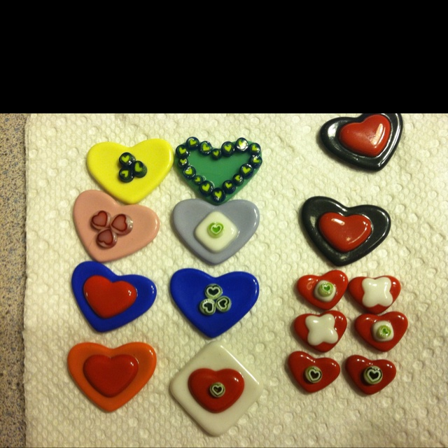 Fused glass hearts - gifts for Valentine's Day.