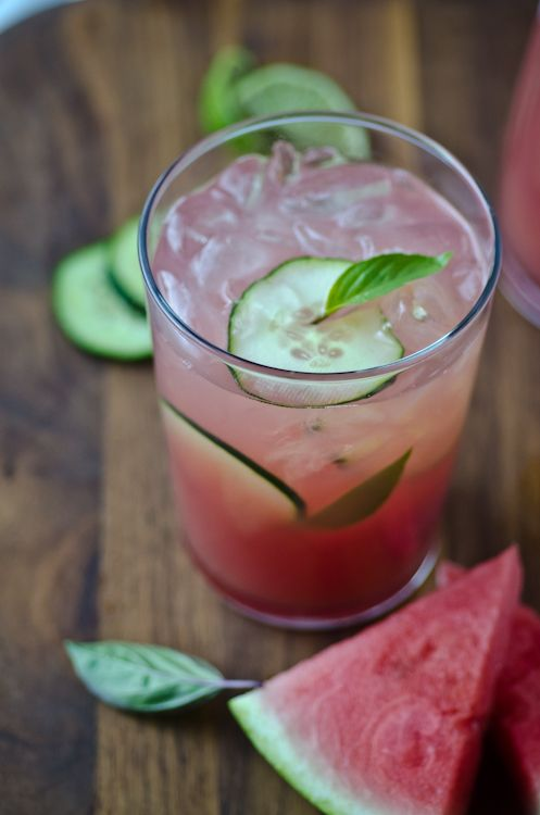 Watermelon cucumber cooler | Scaling Back (with gin in the summer!)