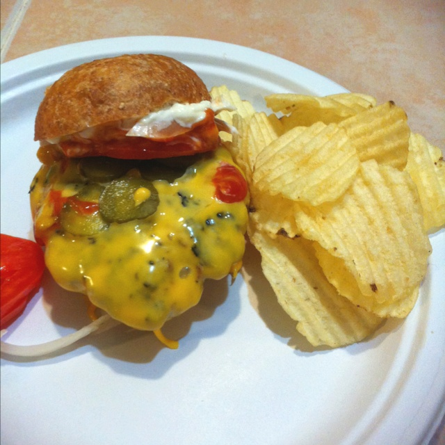 Home made cheeseburger! | Old fashioned burgers | Pinterest