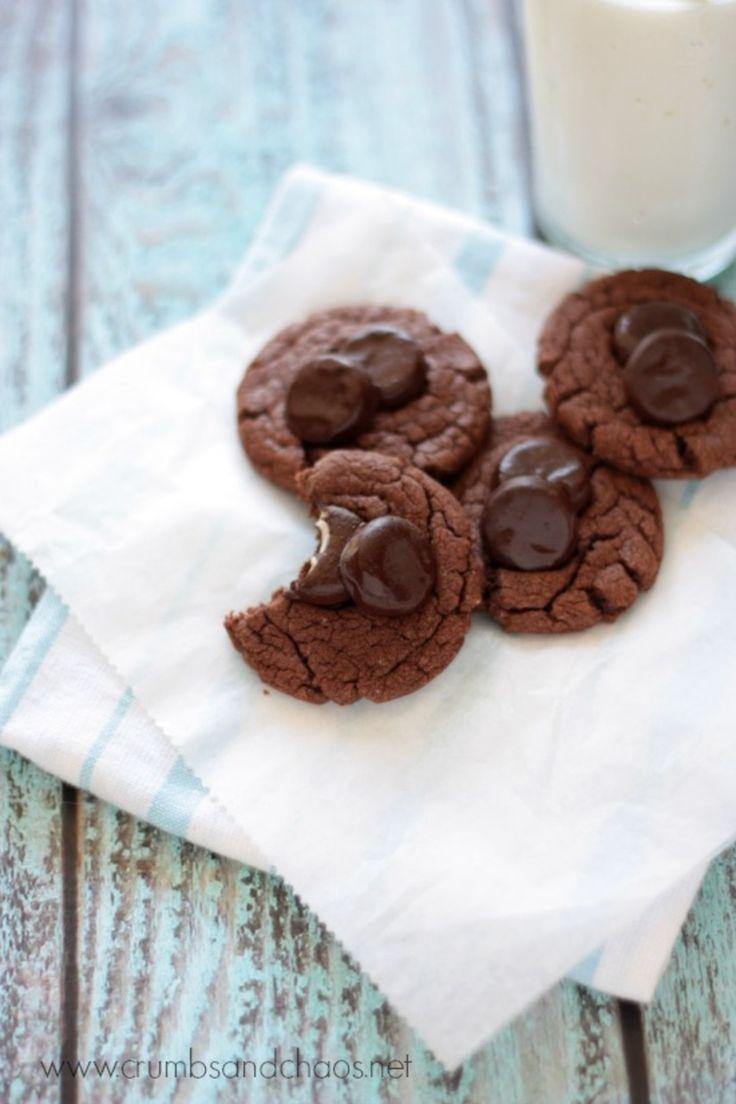 Peppermint Pattie Cookies - recipe on www.crumbsandchaos.net http ...