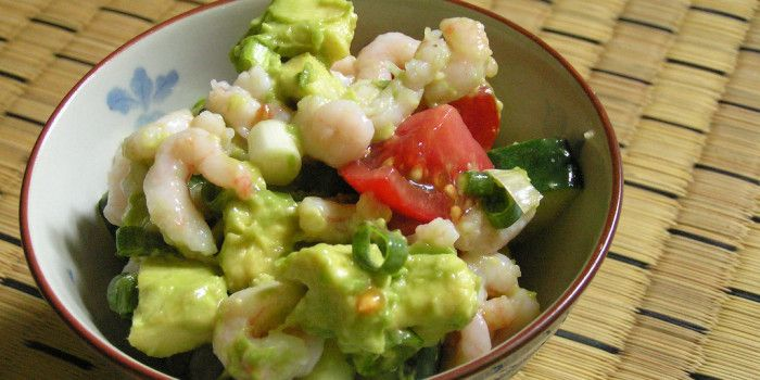 Zesty Lime Shrimp & Avocado Salad - HowToMakeFood.net