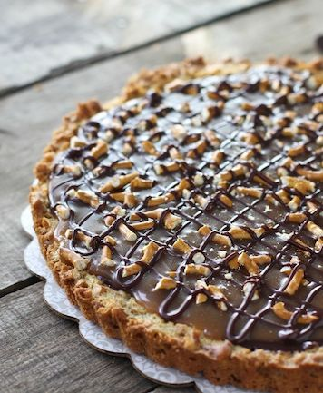 Chocolate Caramel Pretzel Tart - FoodBabbles.com