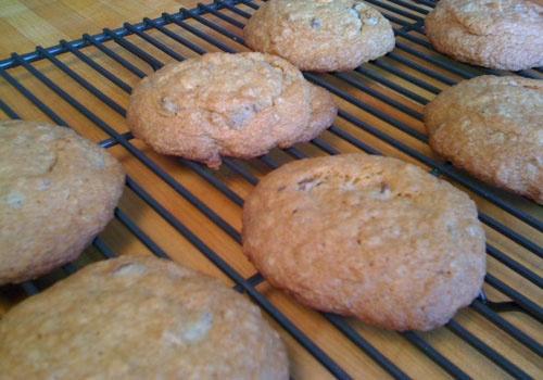 Perfect Chocolate Chip Granola Cookies   Bien Manger   Pinterest