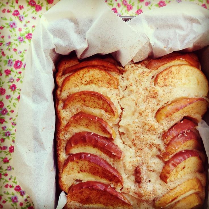 apple tea cake | Cake for knitting club | Pinterest