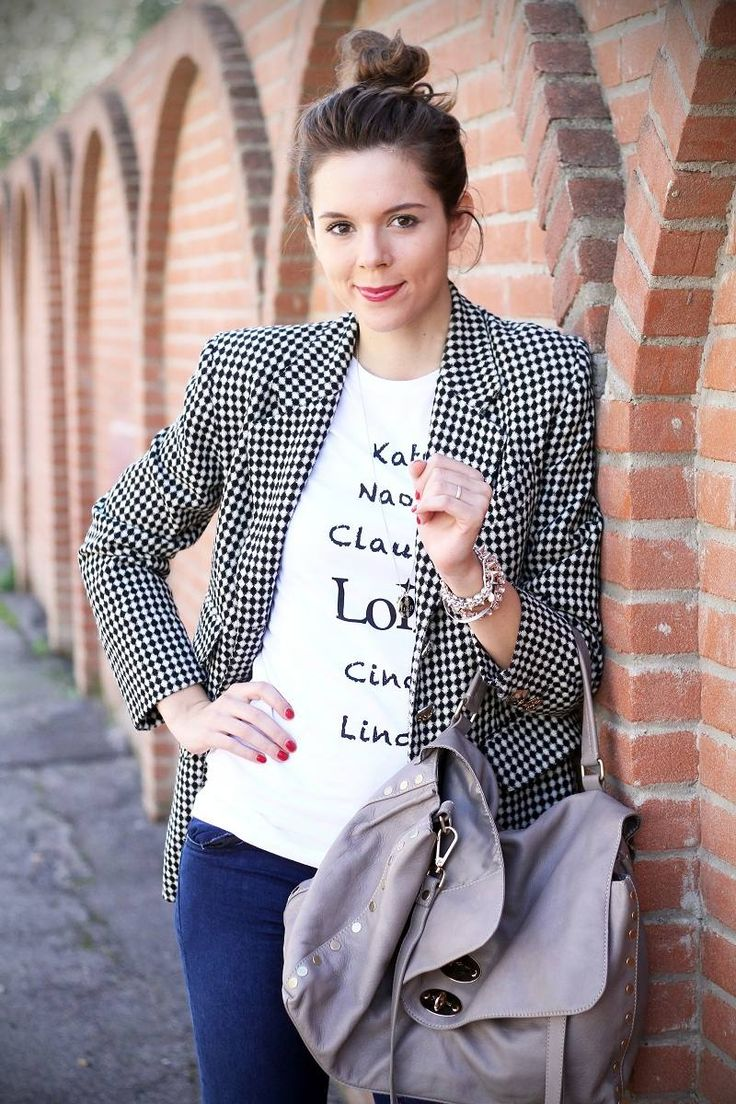 Graphic tee, black & white blazer with denim