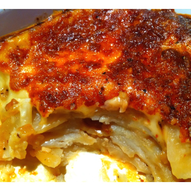 caramelized onion + garlic potato gratin | recipes + salads, sides an ...