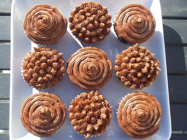vegan chocolate chunk cupcakes-I will be using hot chocolate instead ...