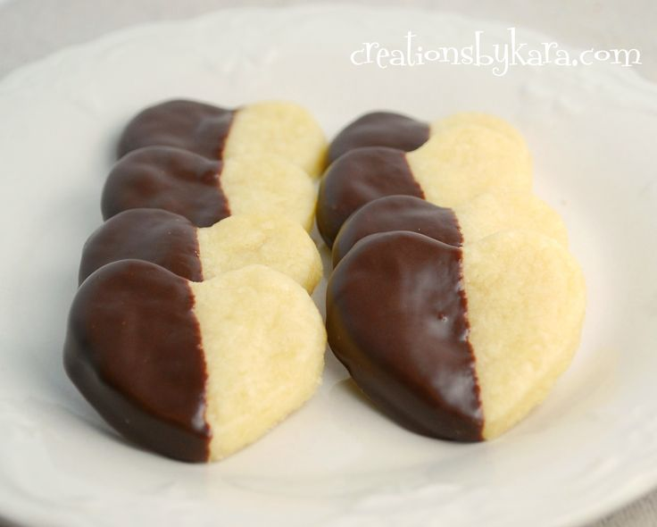 Chocolate Dipped Shortbread Hearts #Valentine's Day #recipe