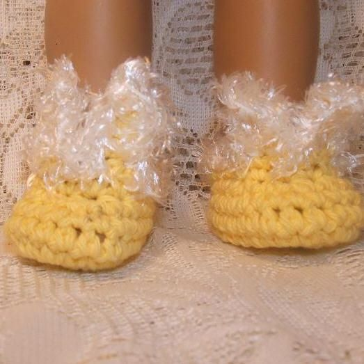 Free Crochet Pattern For Bunny Slippers : bunny-slipper Crochet Doll Clothes Pinterest