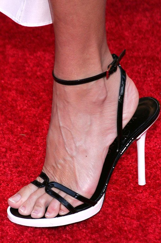 Top 10 Celebrity Feet (Women) | Feet | Celebrity feet ...