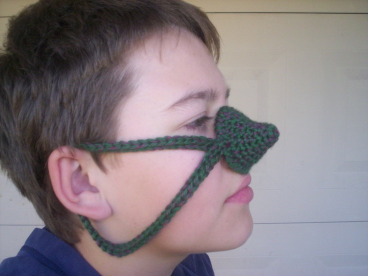 Crochet Nose Warmer : Crocheted Nose Warmer My nose is always cold in the winter.