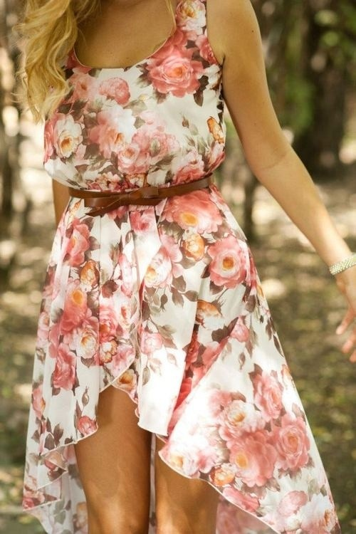High-low hem and retro floral print.