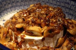 Baked Brie with Caramelized Onions and Mushrooms