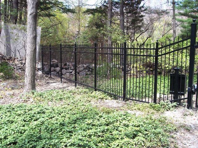 wallpaper iron fence - photo #4