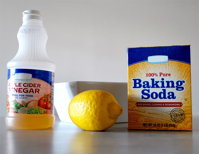 how to make a paste with baking soda and vinegar