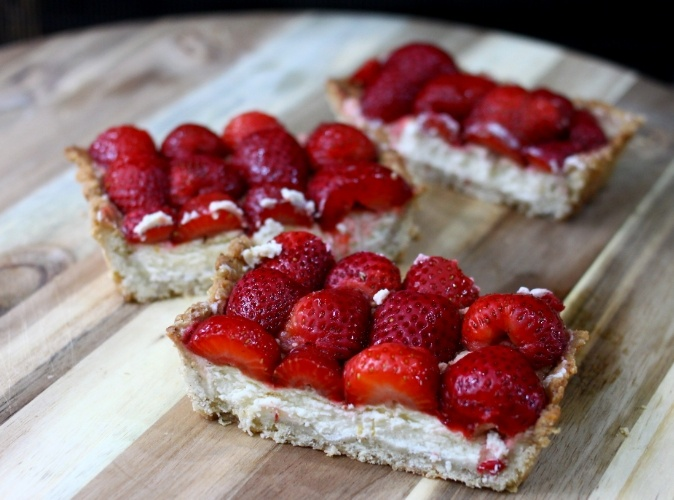 Strawberry Mascarpone Tart with a Meyer Lemon Oat Crust and Balsamic ...