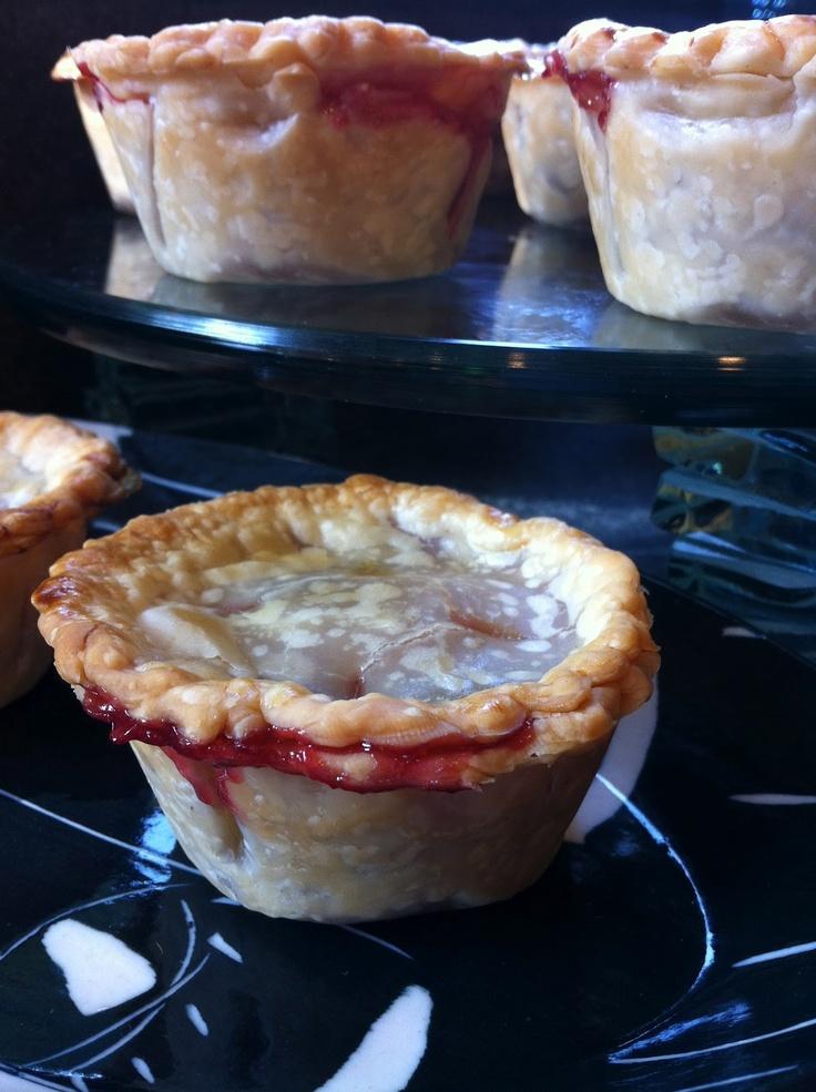 Mini Cherry Pies | recipe connoisseur | Pinterest