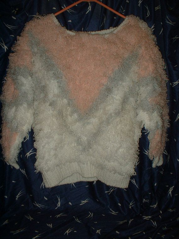 Very Pretty Soft & Fluffy Pink Gray and White Sweater - 1980's Thick Soft Vintage Sweater