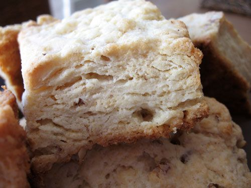 eat me, delicious: TWD: Pecan Sour Cream Biscuits