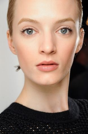 Romantically flush, bright eyed makeup Fall 2013
