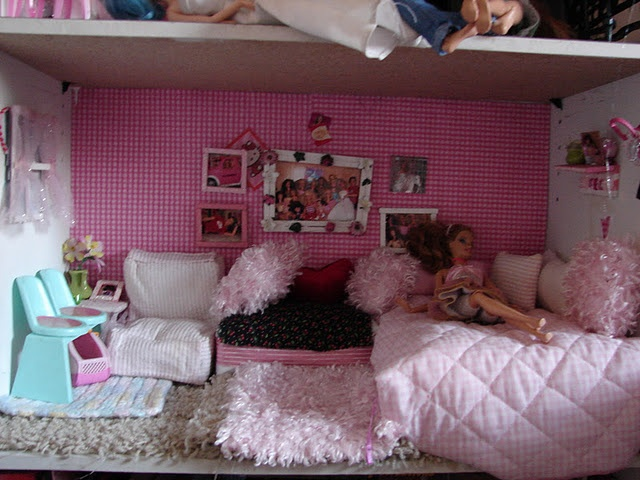 Barbie bedroom diy ideas for the dollhouse pinterest for Dollhouse bedroom ideas