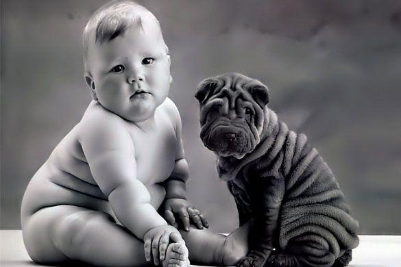 Los niños aprenden de sus mascotas; Oh my look at all those wrinkles...on both of them!  Adorable.