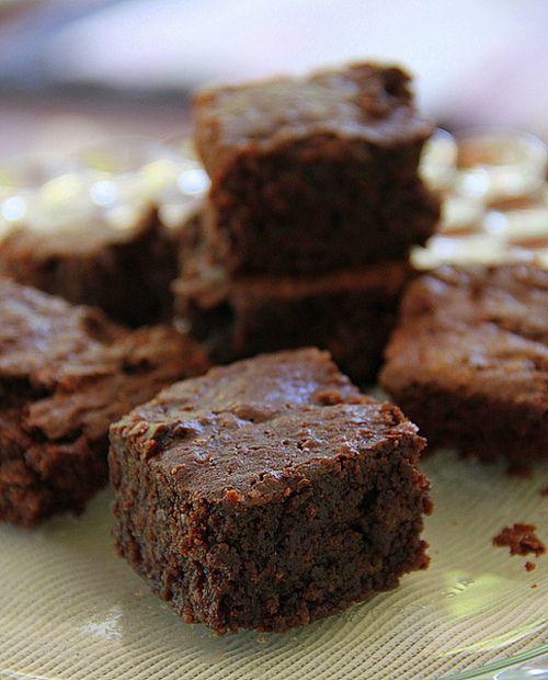 fudgy chocolate brownies | fooddite | Pinterest