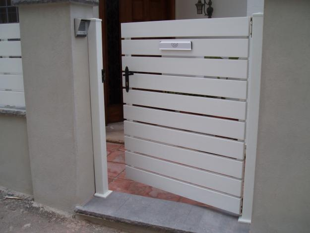 Puerta entrada jardin jardin pinterest for Puertas jardin aluminio