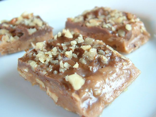 How to make Almond Roca, Almond Toffee, Chocolate Candy Recipe