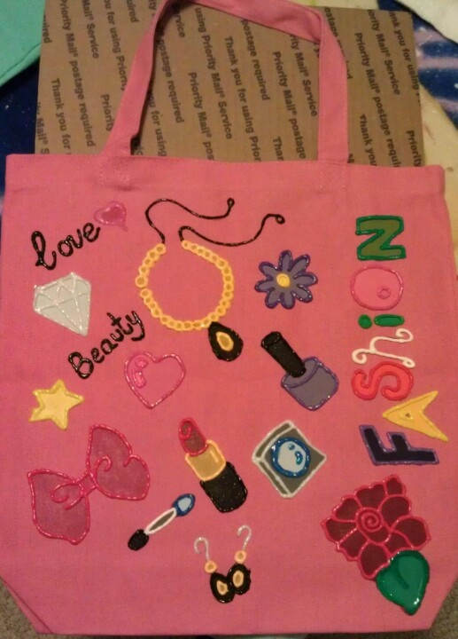 Canvas bag with images of things you love! Draw, paint and outline ...