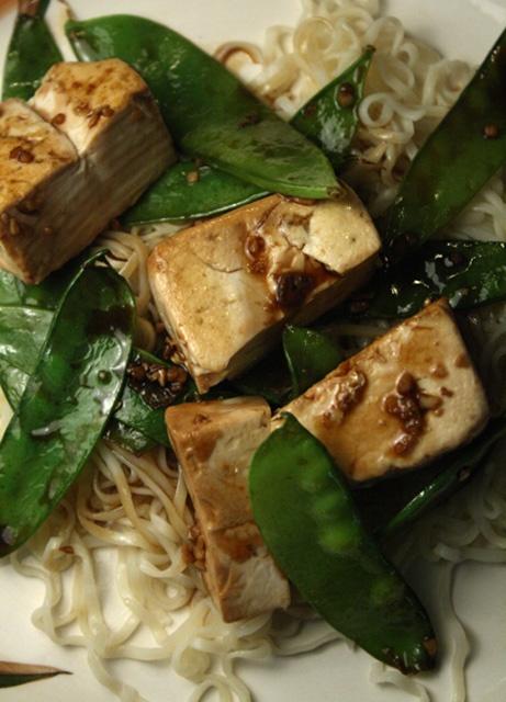 Snow Peas, Tofu, and Ramen Stir Fry | Recipes To Make | Pinterest
