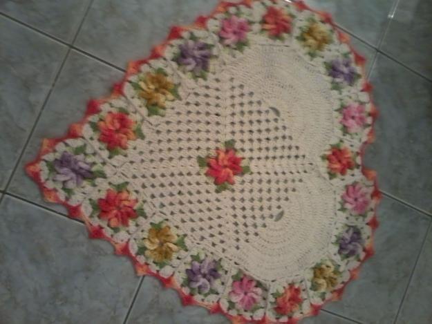 Fotos de  Tapete de crochê coração flores barroco