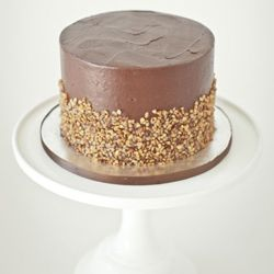 ... nutella frosting and candied hazelnut crunchies 6 $ 45 8 $ 60 10 $ 80