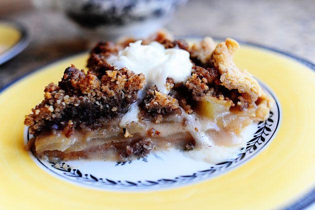 Dreamy Apple Pie #pioneerwoman :Holycrapsogood!!! Must serve with hard ...