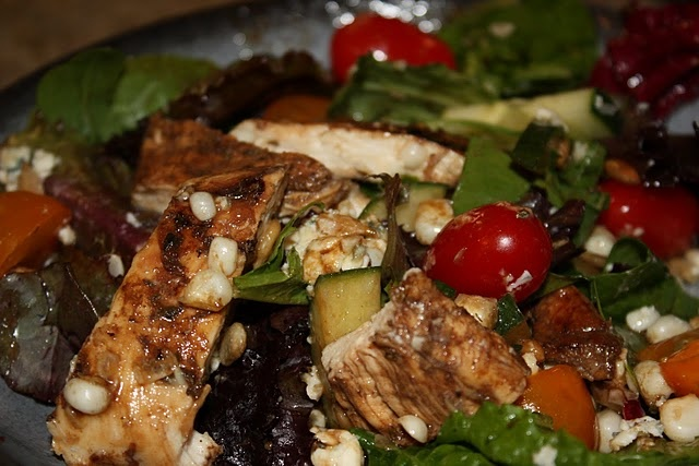 Grilled Balsamic Chicken Salad with Blue Cheese - very yummy marinade ...