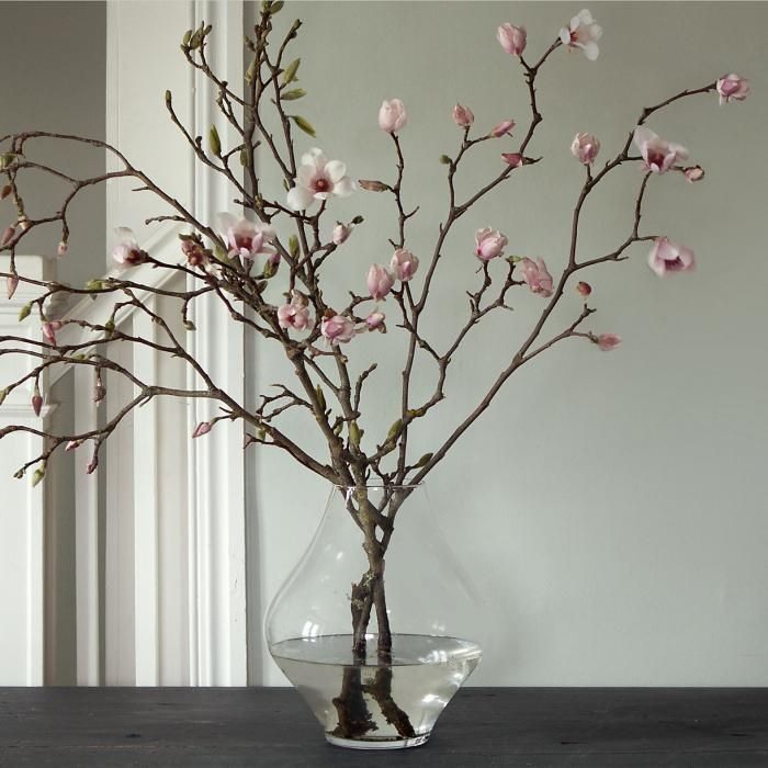 magnolia branches, magnolia flowers via http://www.scandinavianlovesong.com/