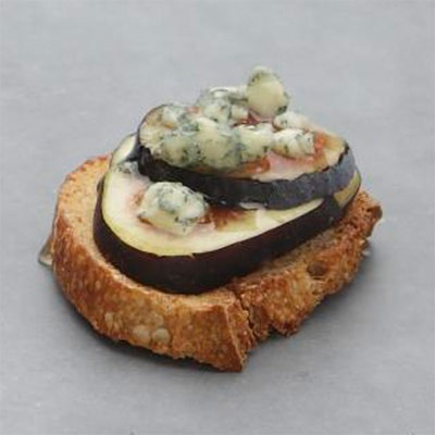 Fig And Blue Cheese Bites Recipe — Dishmaps