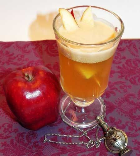 Caramel Apple Cocktail Recipe with Vodka and Butterscotch Schnapps