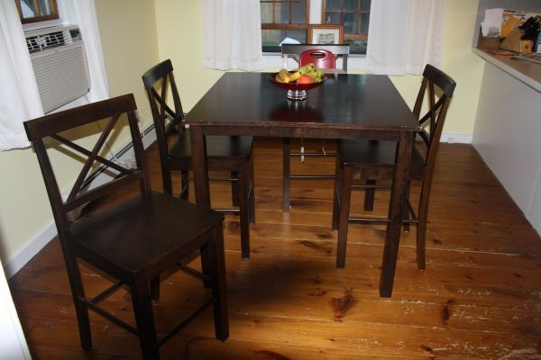 kitchen table chairs 4 craigslist pinterest. Black Bedroom Furniture Sets. Home Design Ideas