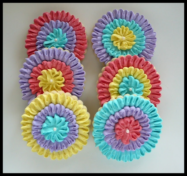Ruffle Icing Cookies...these would be awesome in red,white,& blue for the 4th!!