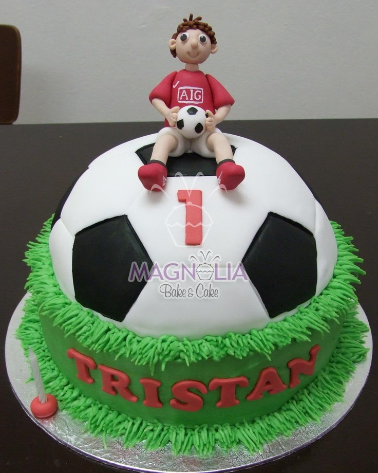 Cake With Ball Design : Soccer Cake Sports cakes Pinterest