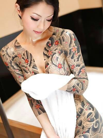 Pin by kervin soiza on tattoo pinterest for Female yakuza tattoo