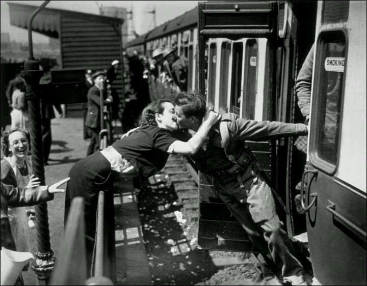 British soldier returns home 1940 | WW2 England | Pinterest Wwii Soldiers Returning Home