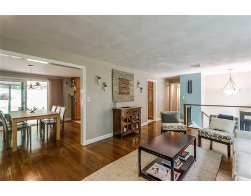Raised ranch living room design for Raised ranch living room ideas