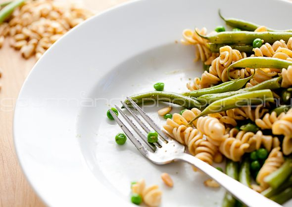 ... of Green: Whole Wheat String Bean and Pea Pasta with Spinach Pesto