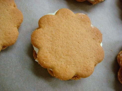 """lemon icebox sandwich cookies: sub whipped cream for """"whipped topping"""""""